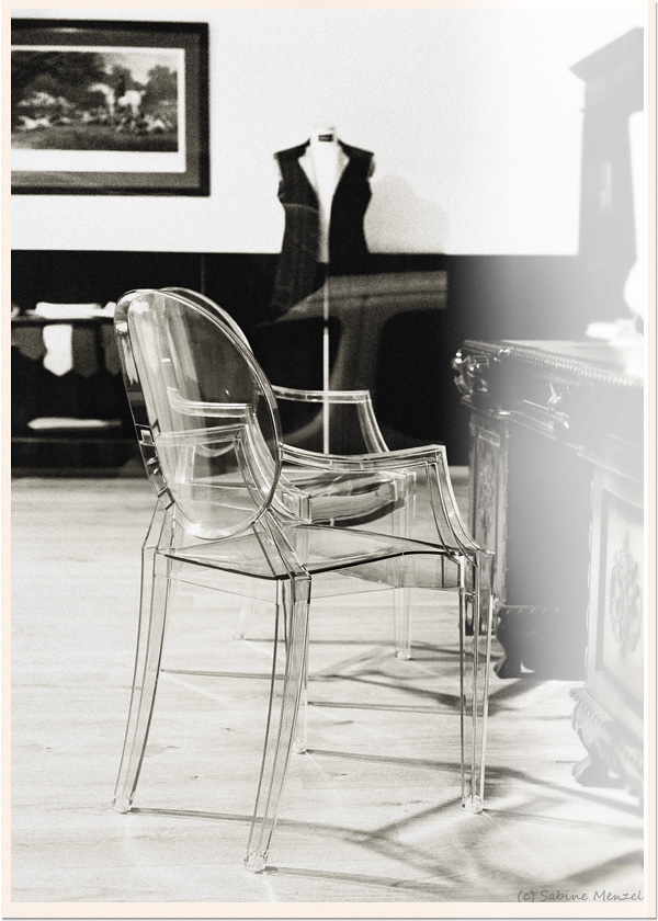 Psynopsis Philippe Starck Ghost Chair