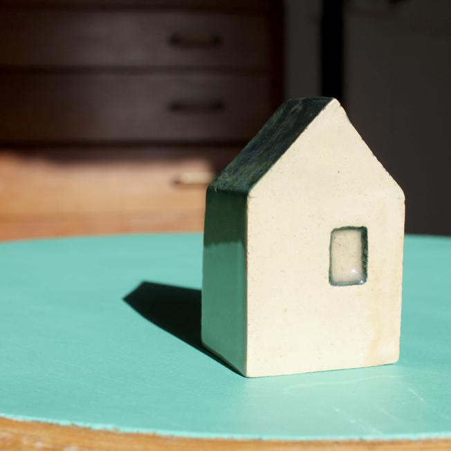 petite maison en céramique - http://spicerabbits.blogspot.fr/