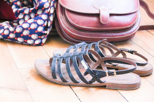 Sandales les Tropézienne et sac vintage Le Tanneur