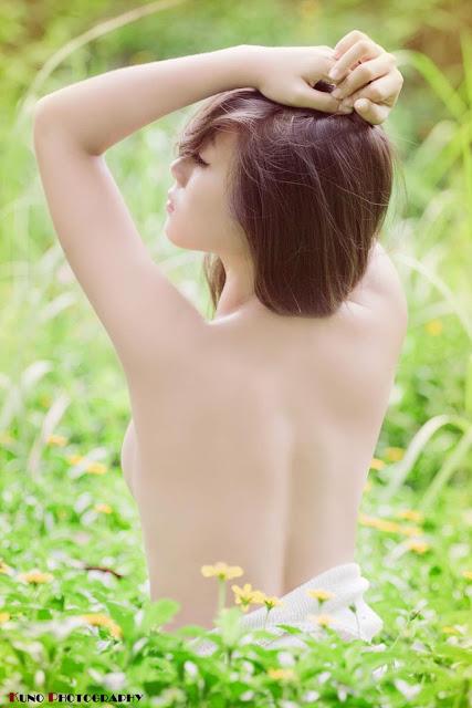 Gambar Bugil Foto Foto Cewek Cantik Putih Mulus Pamer Badan Yang Seksi Sambil Bugil