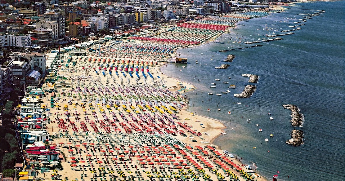 Andreas gursky beach