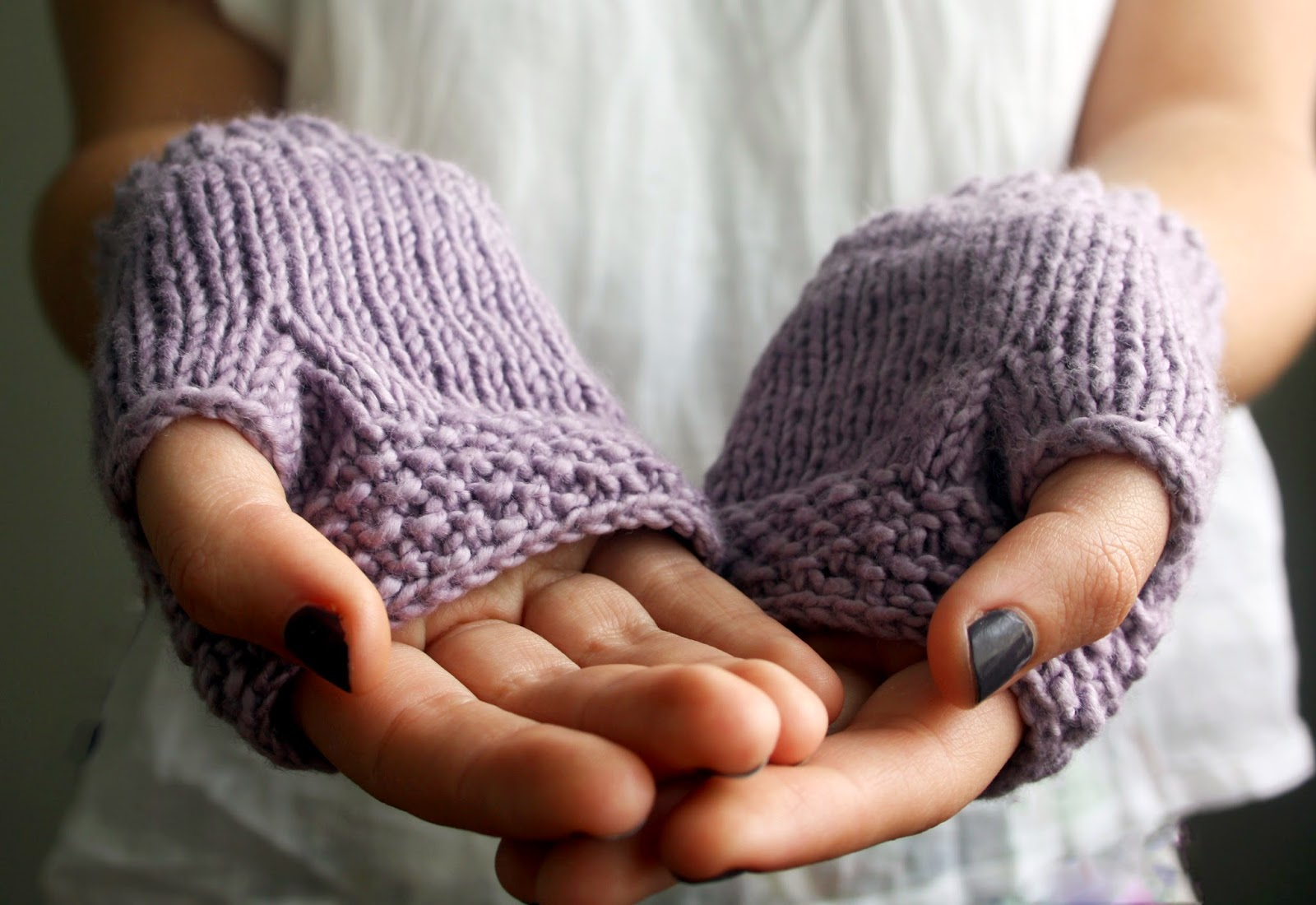 https://www.etsy.com/au/listing/184363231/organic-cotton-fingerless-gloves-handkit?ref=shop_home_active_6
