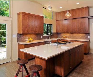 Fotos de cocinas cocinas de madera for Cocinas con desayunador de madera