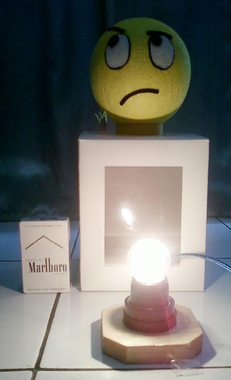 ... lampu hias, silahkan melihat di: Macam Ragam Lampu Hias dari Benang