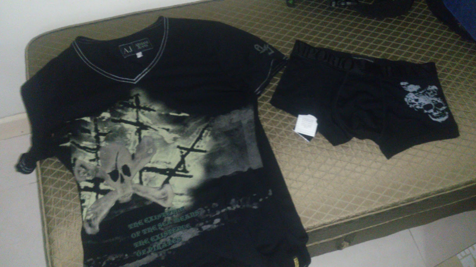 EA_boxerskull_thailand_142_AJ_skulltshirt_china_390.jpg