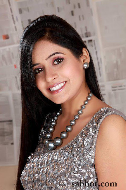 Hot Miss pooja unseen pictures