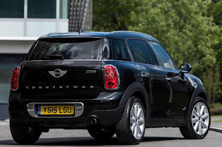 Mini Cooper D ALL4 Countryman Business (2015) Rear Side