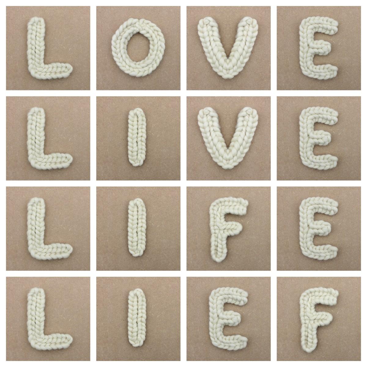 Wollen letters
