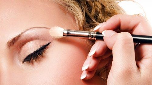 maquillar arco de la ceja