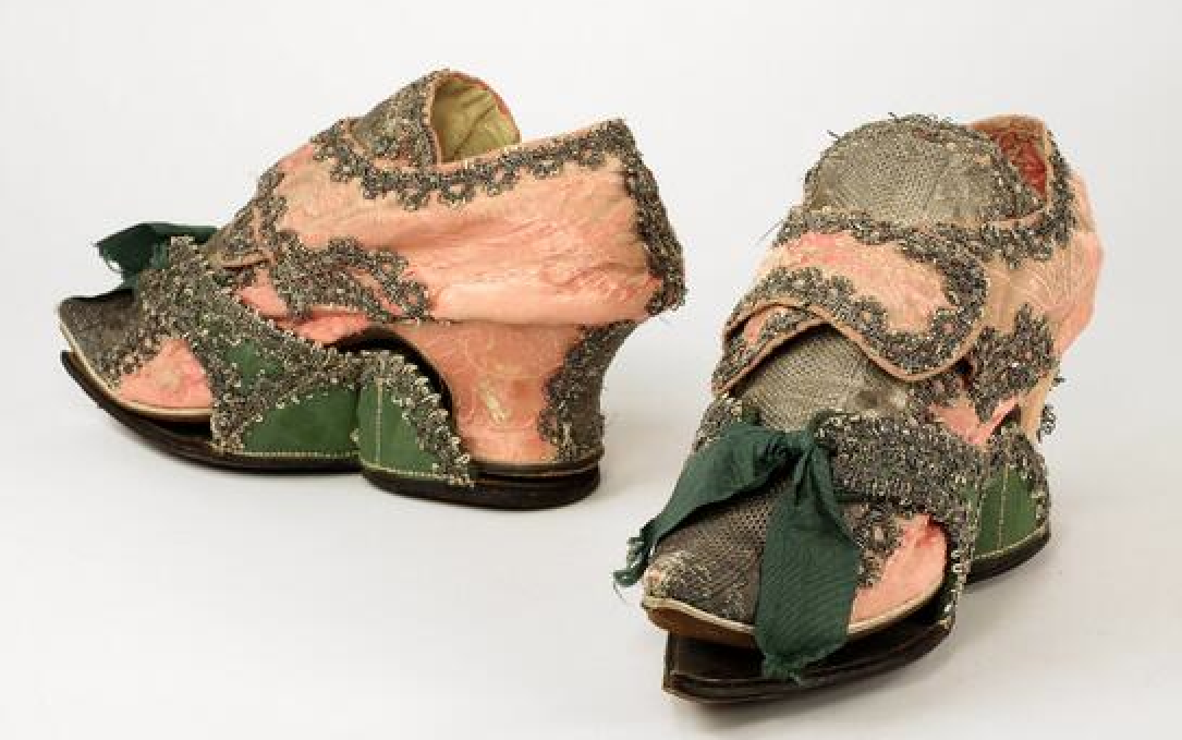 A trend in footwear 18th+c+shoes%2526pattens