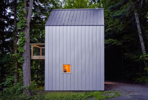 Compact House: Polygon Sculpture Studio