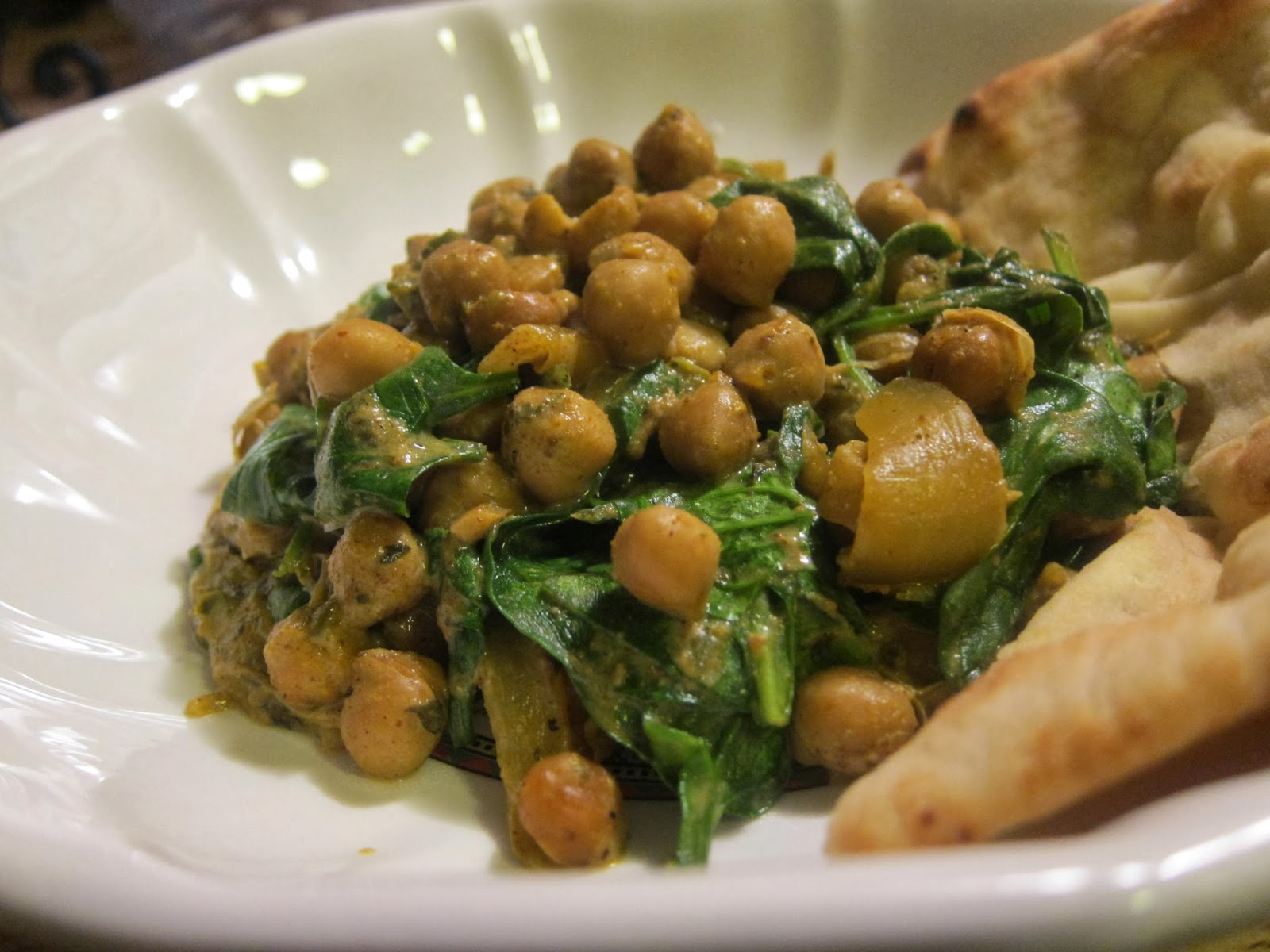 Crockpot Spinach and Chickpea Coconut Curry | The Economical Eater