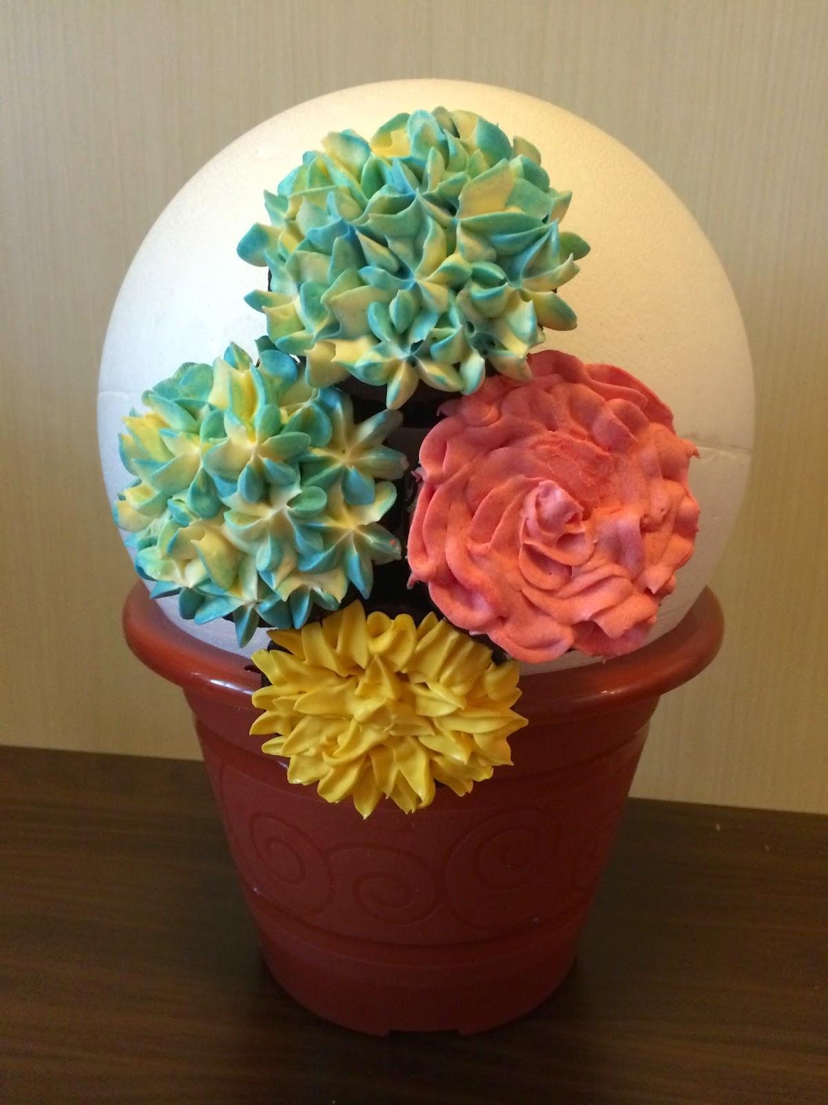 Cupcake Flower Bouquet | Crissa\'s Cake Corner!