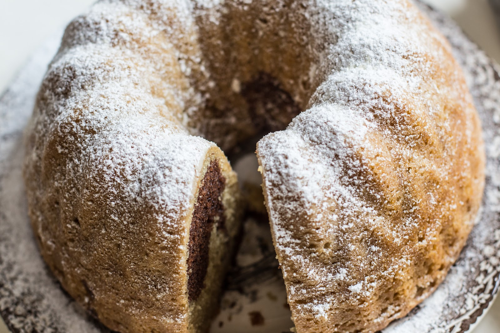 How To Grease And Flour A Bundt Cake Pan