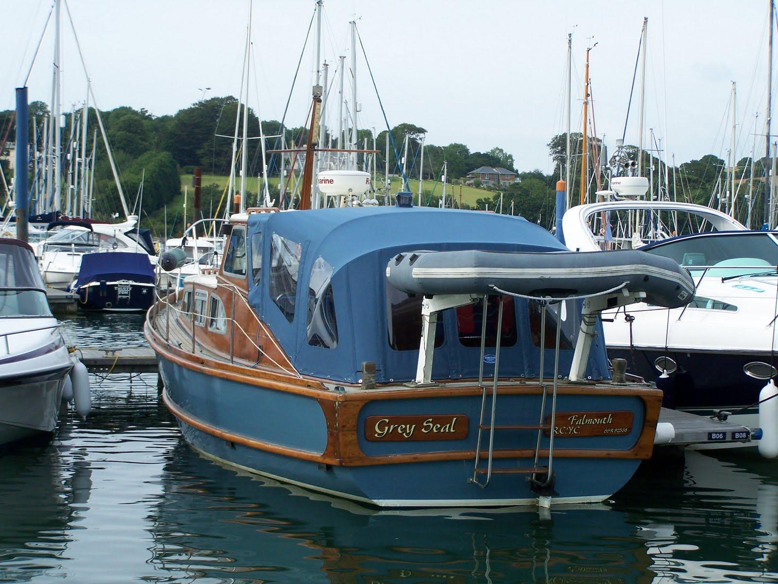 Small Racing Boats