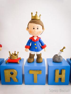 Rei Arthur, Biscuit, Cubos de Aniversário, Vela, um ano, aniversário