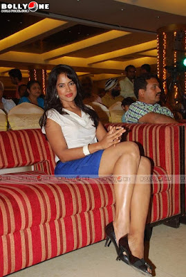 Sameera Reddy at Times Ganesha Awards Ceremony