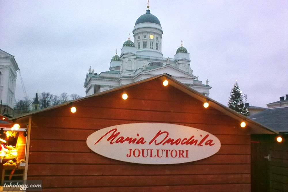 Joulutori (Christmas Market) and Helsinki Cathedral