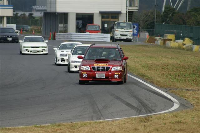 Subaru Forester, japoński samochód terenowy, tor wyścigowy, boxer, napęd na cztery koła, japonia, JDM, zdjęcia