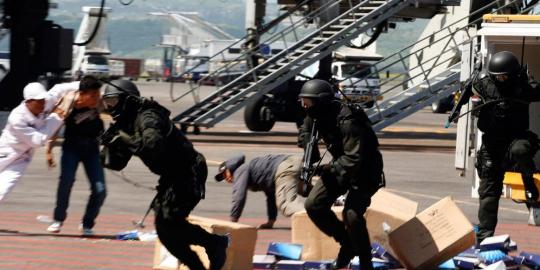 http://007beritaterkini.blogspot.com/2013/05/film-tentang-propaganda-pasukan-elite.html