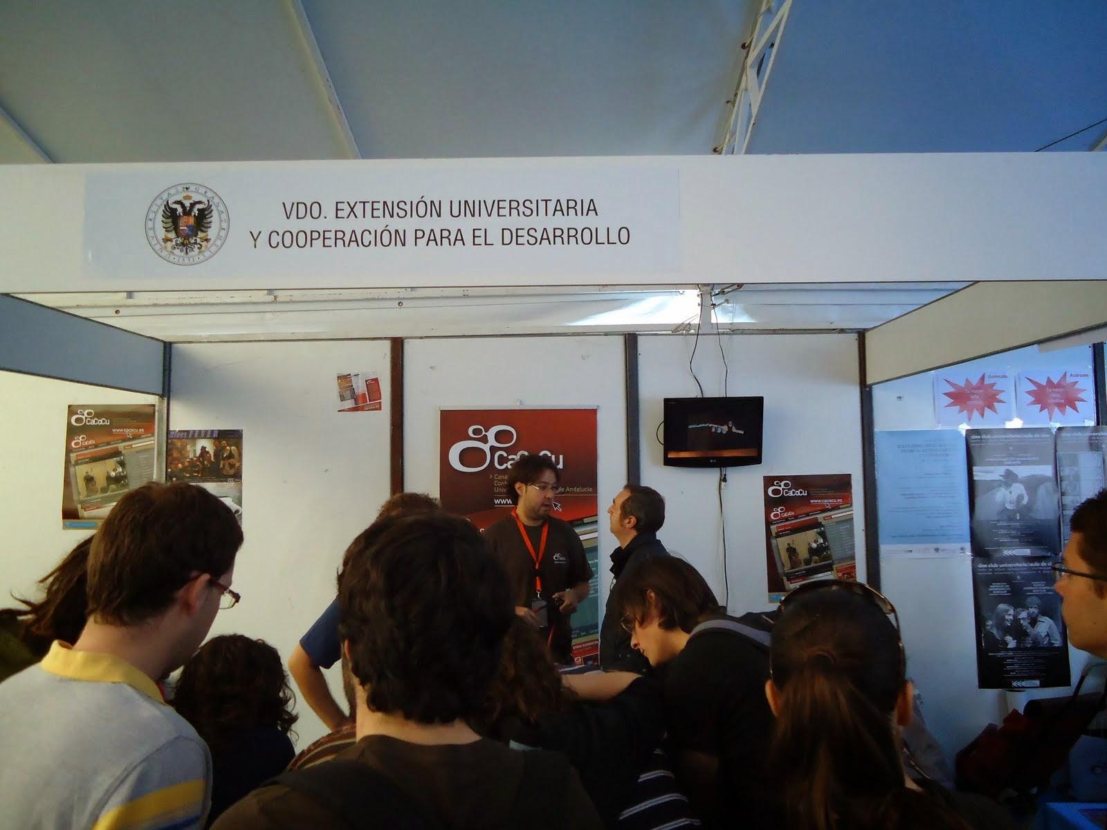 Imagen del stand de CaCoCu en las Jornadas de Recepción de Estudiantes de la Universidad de Granada en 2010