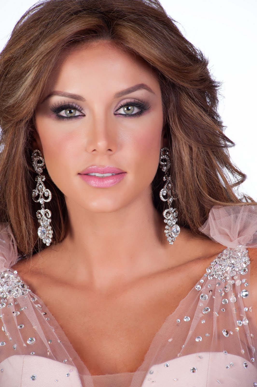 Miss universe 2011 part vi official headshots / swimsuit and gown pics (the rankings 1st-10th)