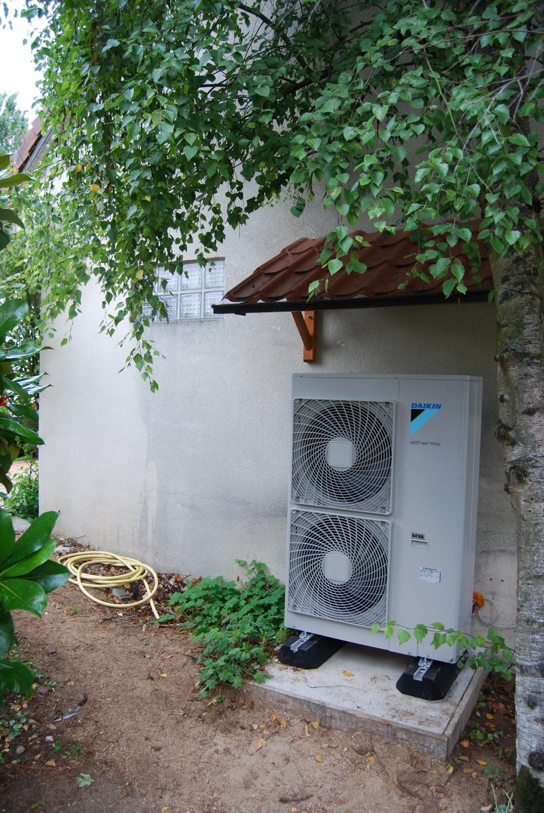 Les blogs client reveco pompe chaleur daikin installation d 39 une pac air eau favrieux dans - Pompe a chaleur daikin air eau ...