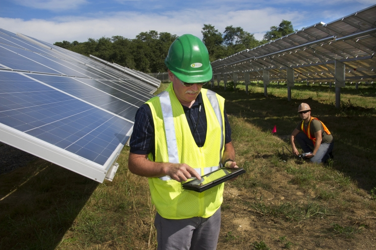 Interesting energy facts: Solar energy industry and solar energy jobs
