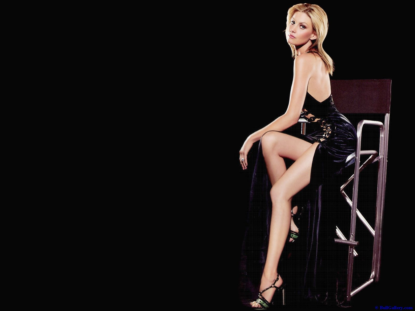 http://3.bp.blogspot.com/-AnPTJeVbtcU/UEmqdsMtRAI/AAAAAAAAEP4/qF6NXCOqWeQ/s1600/Faith-Hill-Widescreen-Wallpapers.jpg