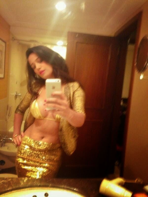 Poonam Pandey Hot and Sexy Private Photos