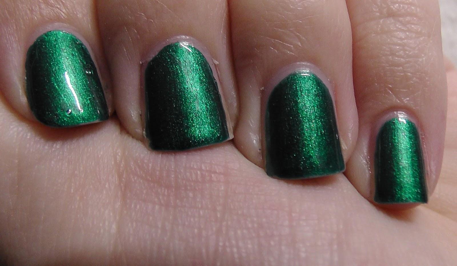 Das Mini bloggt: [Lacke in Farbe und Bunt] Tannengrün