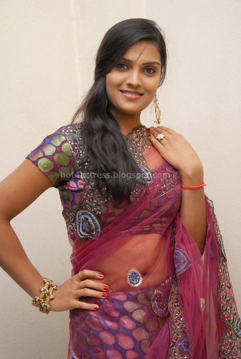 Prakruthi saree pics