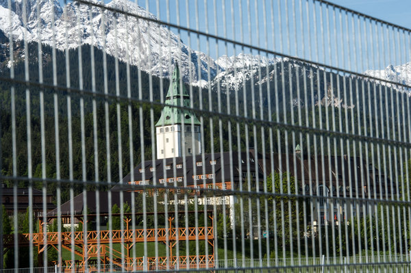 G7 summit: Experts fear that government could escape despite fence