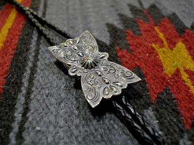 dear blossom 的bolo tie 款式