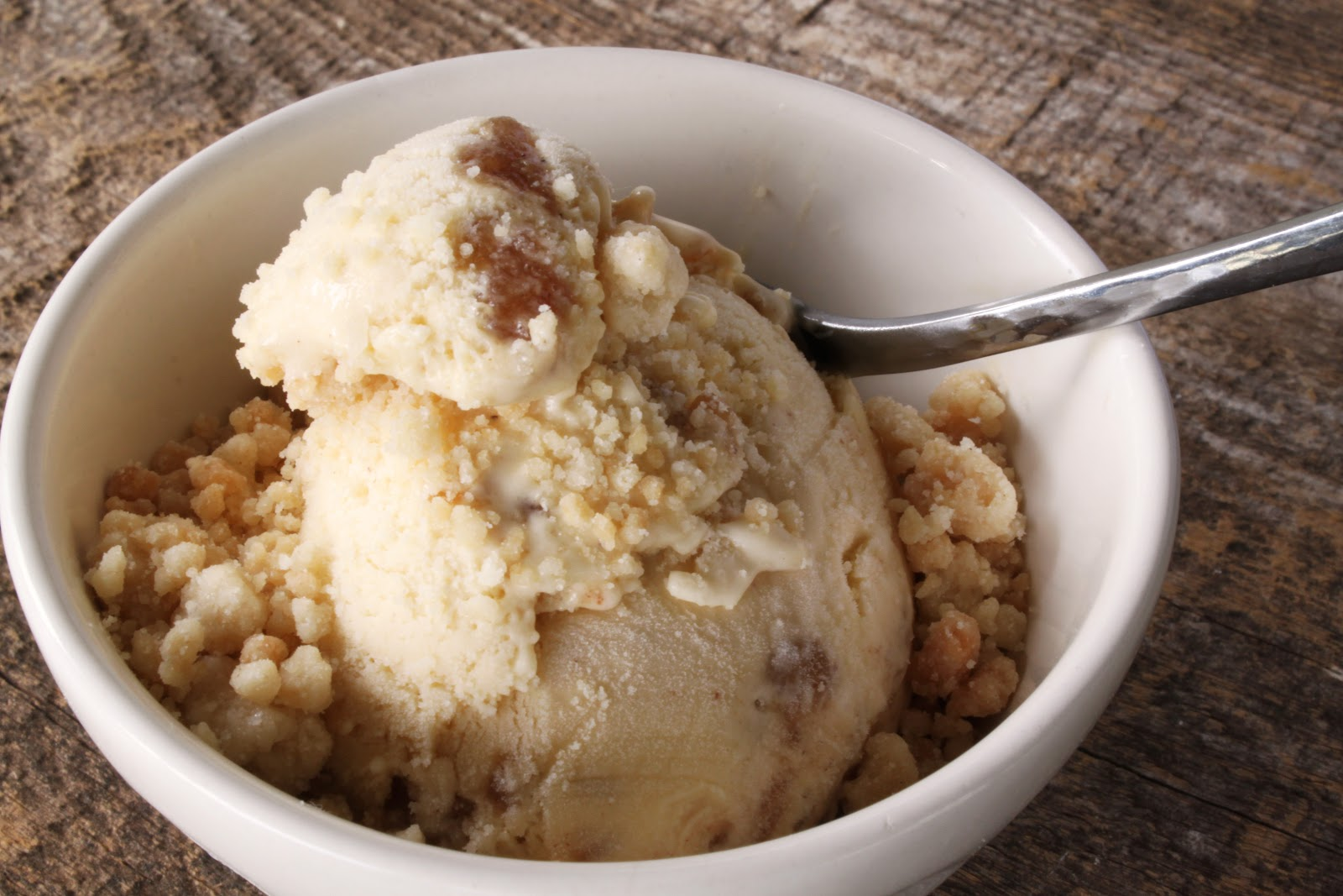 Mimi's Kitchen: Apple Pie Ice Cream