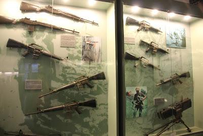 Ametralladoras en el museo de la guerra de Vietnam