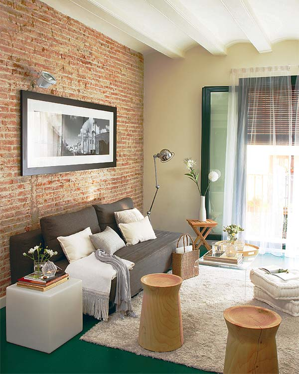 decoracao de interiores de salas pequenas:Brick Wall Living Room Decor