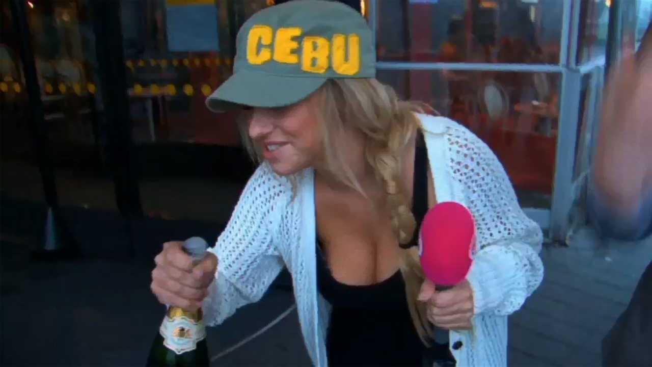 Playboy Playmate Zimra Geurts In Sbs Sterren Dansen Op Het Ijs