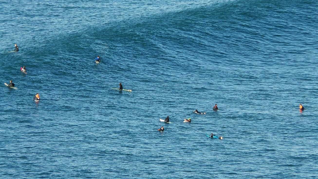 surfing menakoz 13