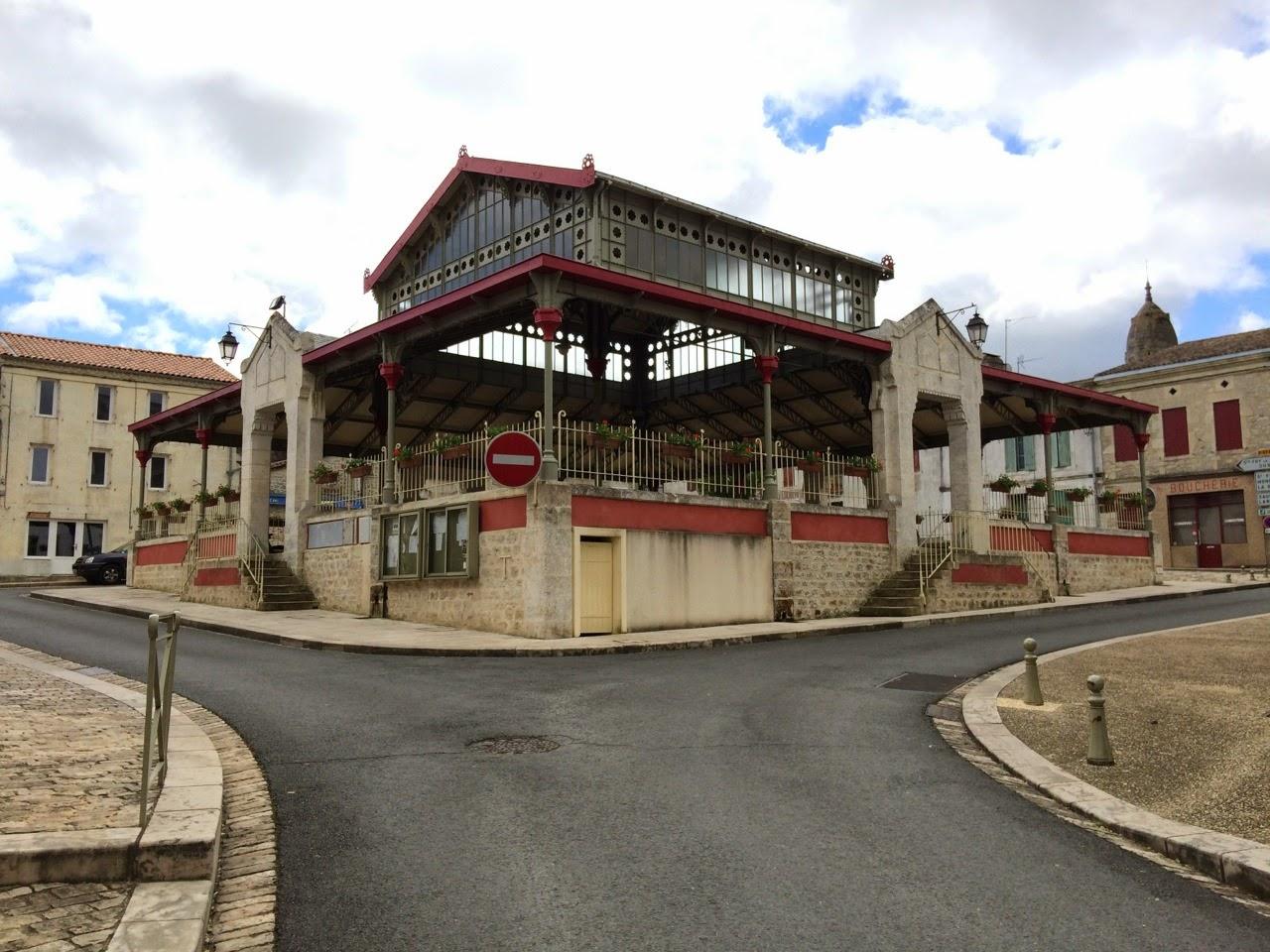Jan op weg naar compostela dag 49 sainte foy la grande sainte ferme 25 km 1216 km for Dus welke architectuur