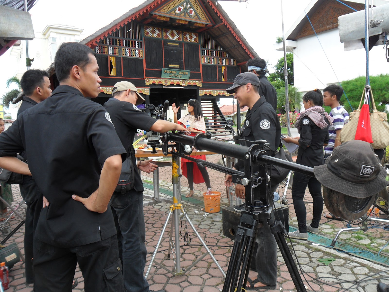 Suasana shooting di Rumoh Aceh