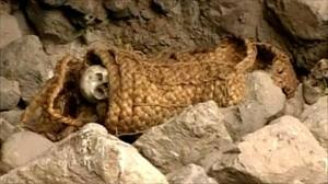 http://3.bp.blogspot.com/-Ao_v5jo7ba8/TfkKyXvKMHI/AAAAAAAAIT8/kEHTCyvVSz4/s1600/incas_tombs.jpeg