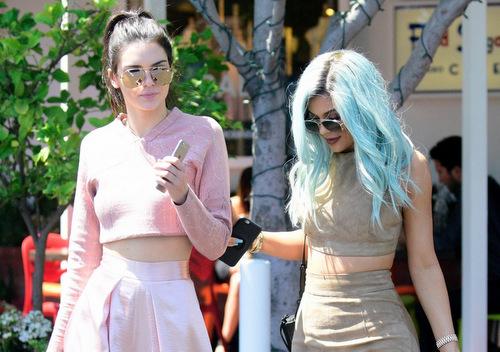 Friday I'm In Love: Kendall'ın Pembe Pantolonu