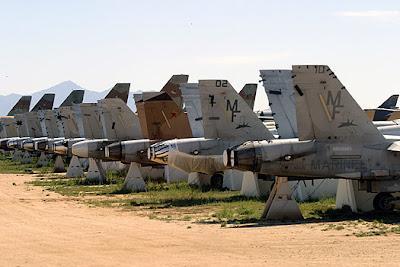 aeronaves - Davis-Monthan AFB - o maior cemitério de aeronaves do mundo  AMARC+desert-hornets