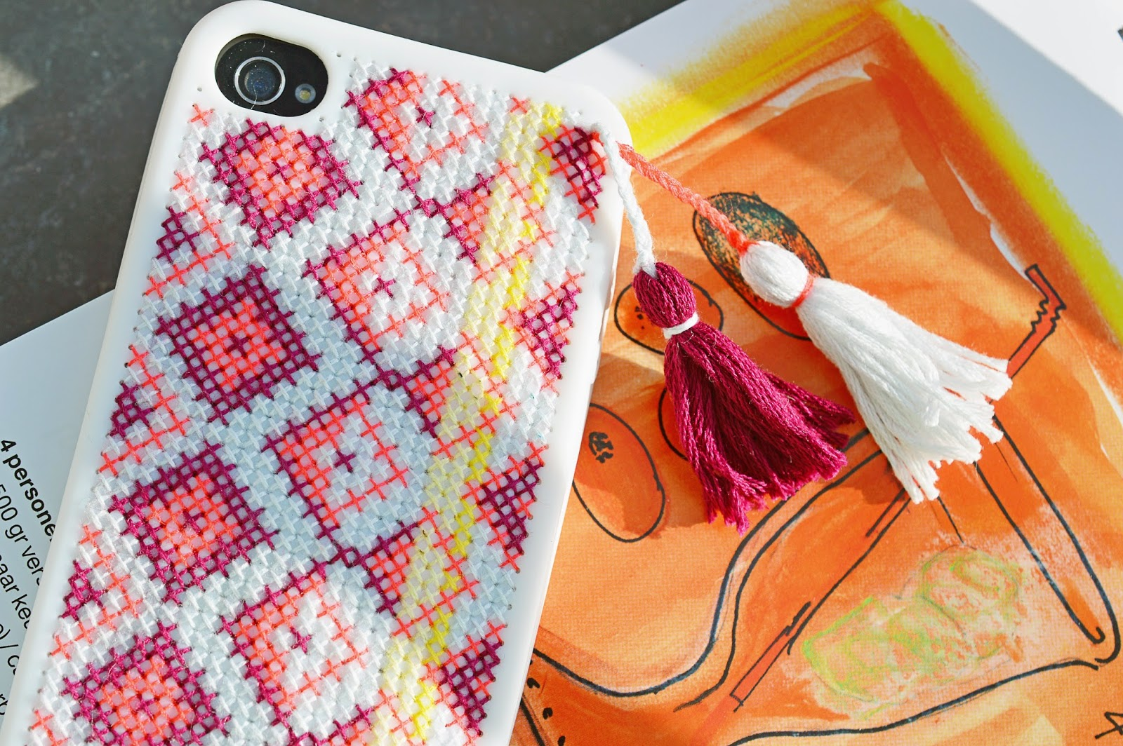 Diy embroidered iphone case free template motte for Diy phone case template