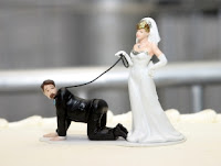 http://3.bp.blogspot.com/-ApJmLg-gGro/Td3RJV0VVZI/AAAAAAAABlU/W7lEMMEZaCg/s640/Funny_wedding_cake_top.jpg