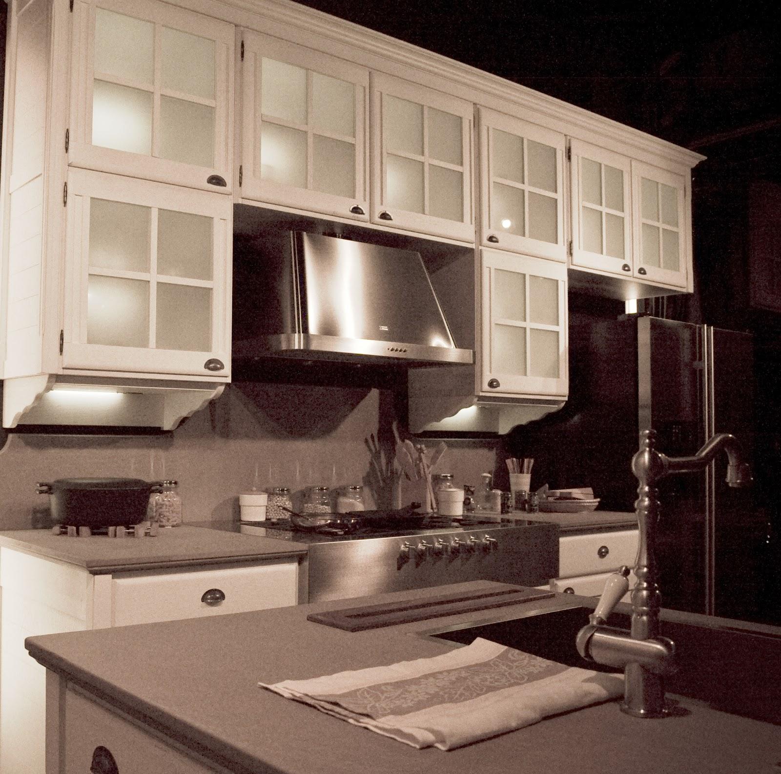 Cucine coloniali elegant mobili coloniali mobili etnici - Cucina coloniale ...