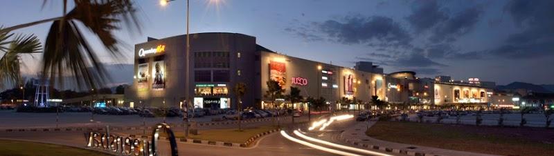Jalan-jalan di Queensbay Mall