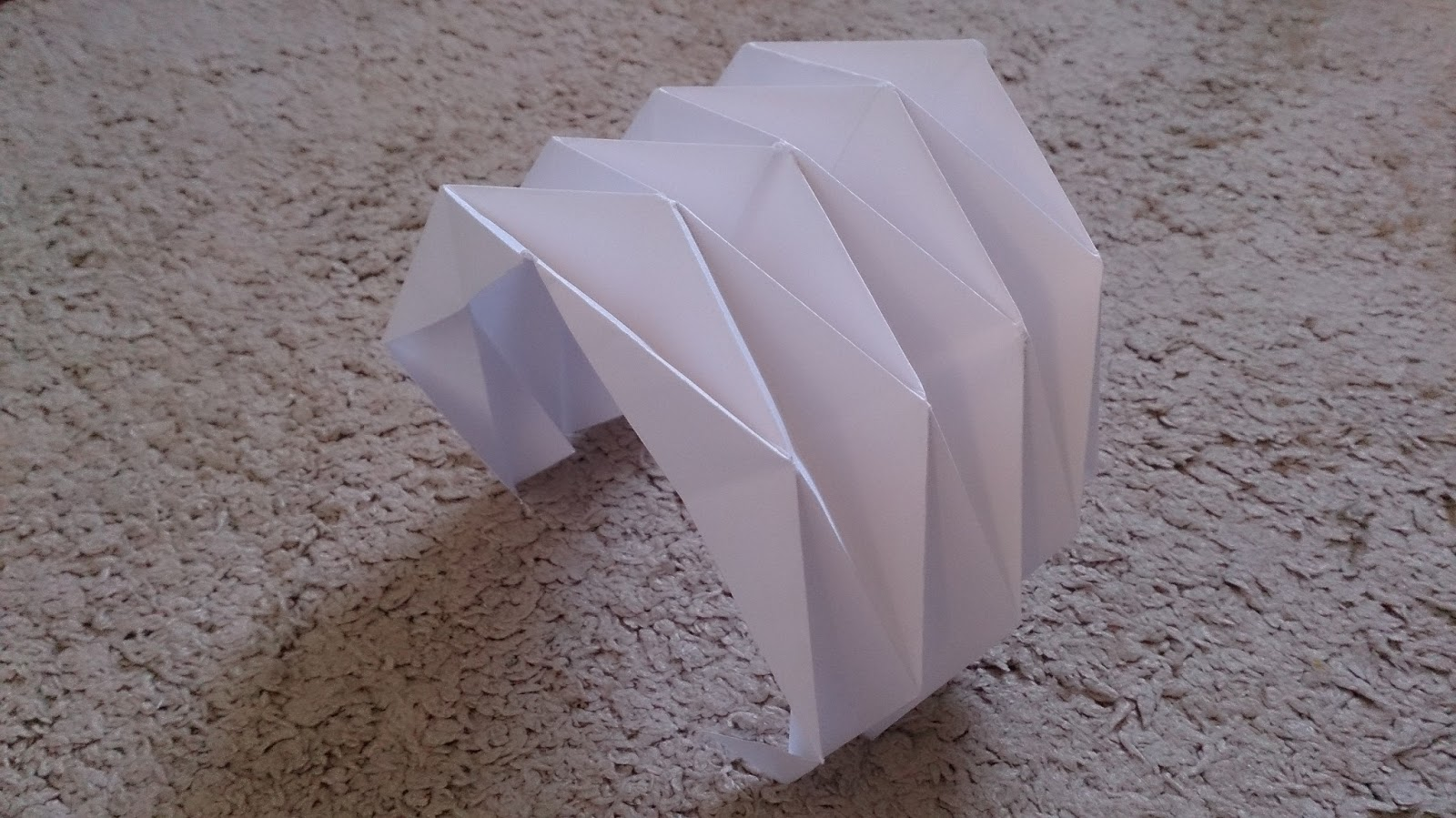 paper folding projects Paper folding models - paper folding diagrams - paper folding projects - paper models projects - origami paper folding models.