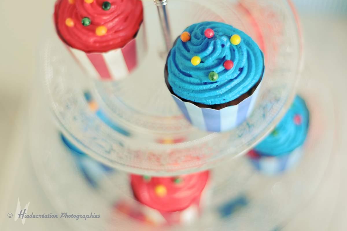 cupcakes dans caissettes festonnées à rayures